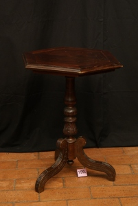 n. 199 - Tavolino - frutto - epoca 1880 - cm 67 x 54 x 54