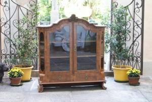 n. 337 - Vetrina - 18° secolo  - cm. 125 x 16 x 38